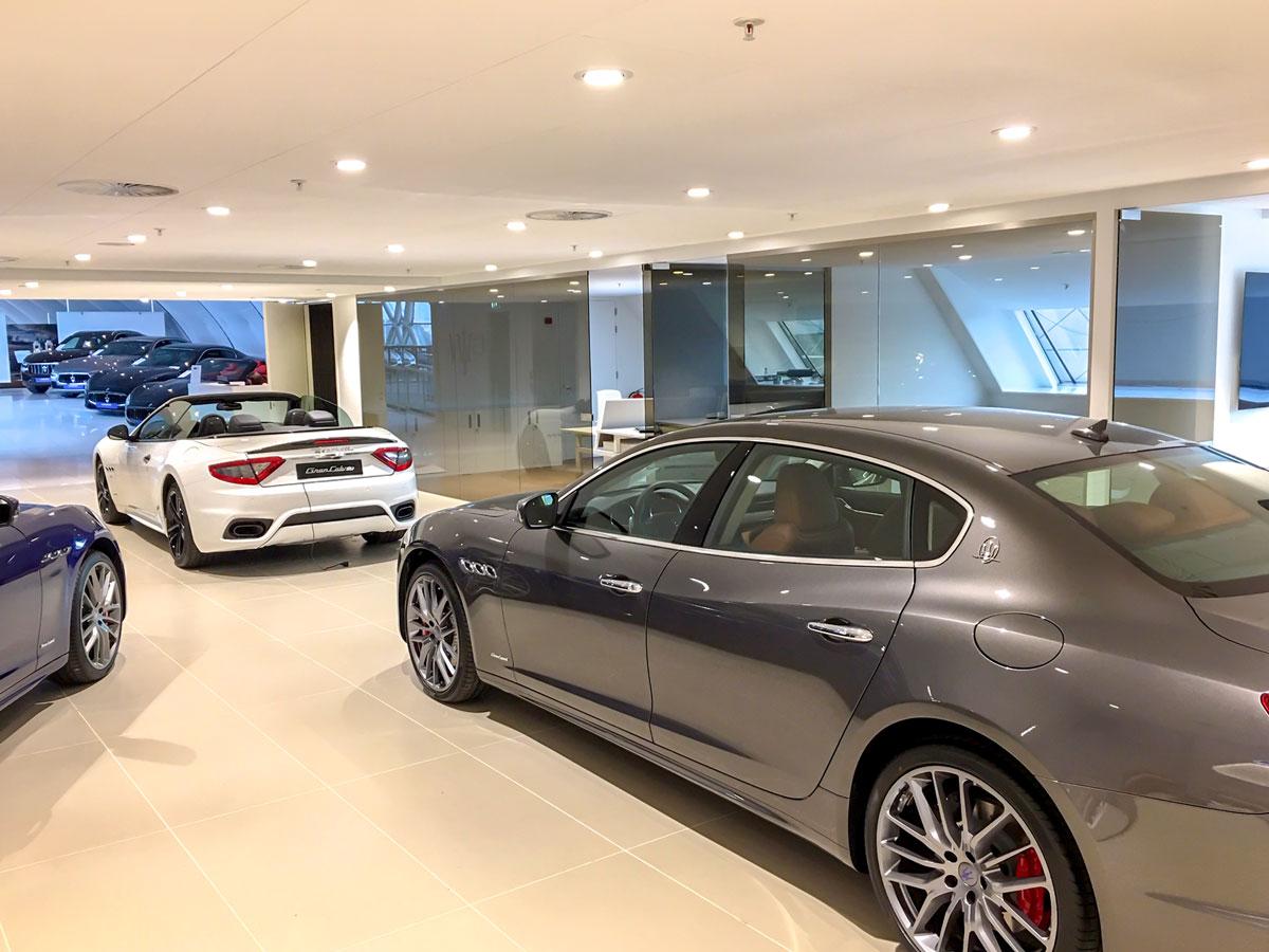 Lexus Showroom Breda – Oome Raamsdonk